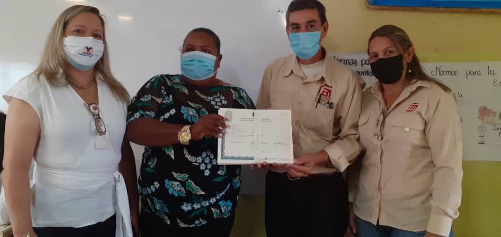 Los colegios Mario Lezama Esquivel y Palúa recibieron los formatos de títulos de nuestros bachilleres