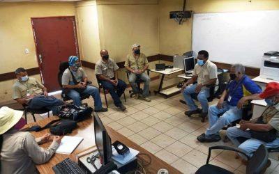 Equipos trabajan en la fabricación de componentes con sello venezolano