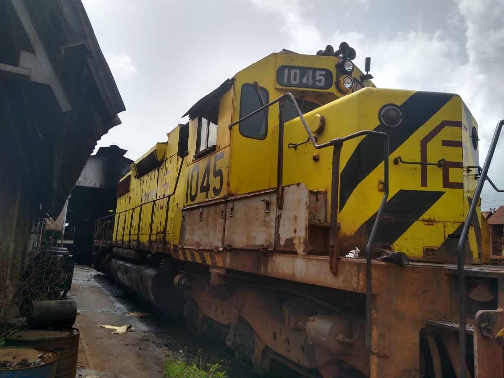 locomotora 1045